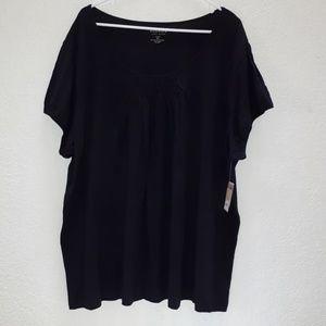 Black smocked ladies tshirt